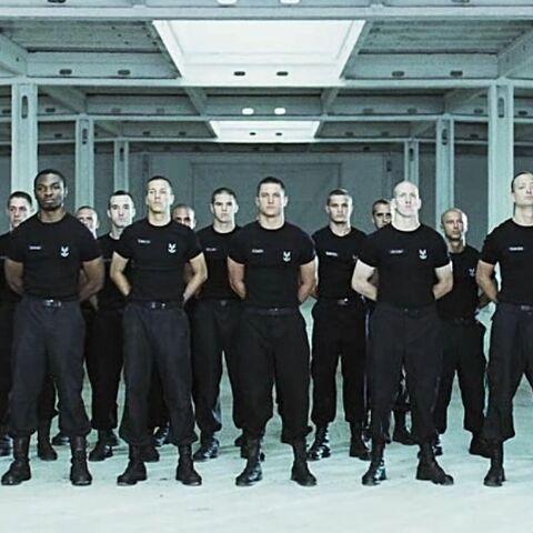 Eine Gruppe ODST Anwärter des 19. Shock Troops Bataillon.