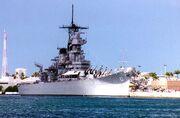 USS Orleands apunto de elevar anclas