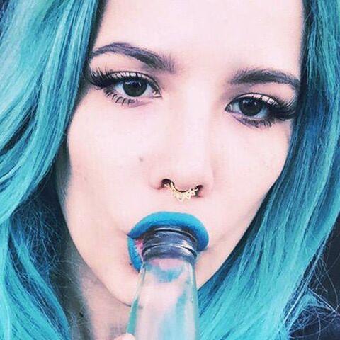 File:Halsey-makeup-16-500x500.jpg
