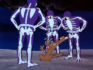 Scaried Scooby Sees Skeleton Men