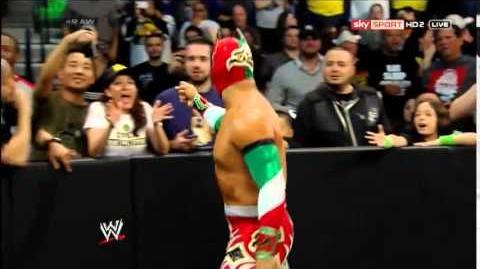 Sin Cara con Scooby-Doo vs Damien Sandow - WrestleMania Mystery en Español