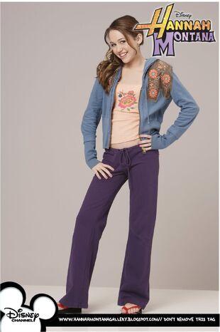 Miley Stewart (Season 1)-1