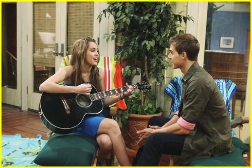 List of Hannah Montana main characters - Wikipedia