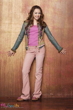 Hannah-Montana-Season-1-Promotional-Photos-HQ-3-miley-cyrus-8419948-1365-2048