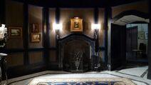 Hannibal foyer 2