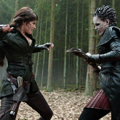 Gretel fights the Horned Witch.