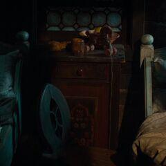 Hansel & Gretel sleeps.