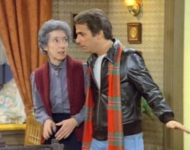 File:Happy Days ep 9x14 - Grandma Nussbaum.jpg