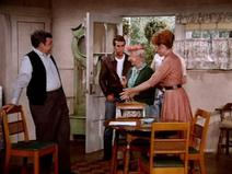 Happy Days 3x1 - Fonzie Moves In - Grandma Nussbaum