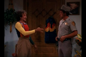 Mork & Mindy - Pilot - Mork greets Deputy Tilwick