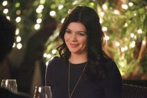 HAPPY-ENDINGS-The-Shrink-The-Dare-Her-Date-and-Her-Brother-Season-2-Episode-10