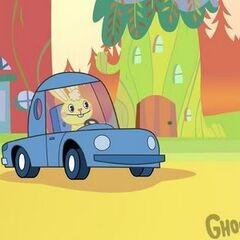 Cuddles再次和他的蓝色汽车。