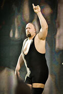 200px-Big show in december 2010
