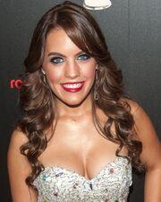 Kristen-alderson-40th-annual-daytime-emmy-awards-03