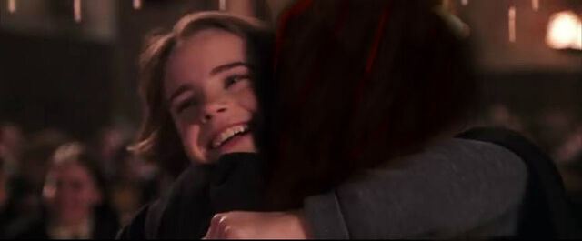 File:Willa and Hermione reunited.jpg
