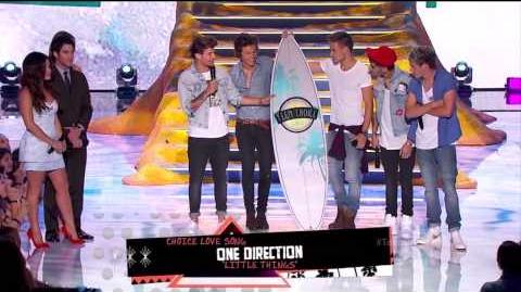 One Direction winning 4 4 surfboards at the 2013 Teen Choice Awards