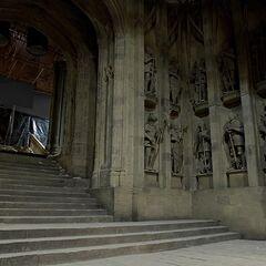 Подножие Парадной лестницы