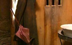 Hagrids Zauberstab und Mantel in seiner Hütte