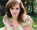 Emma-Watson-Wallpaper-8.jpg