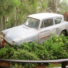 Ещё одна достопримечательность парка — Форд «Англия»