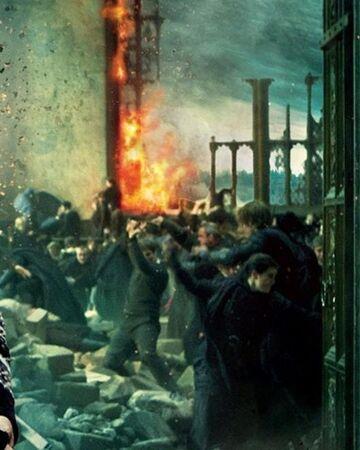 Skirmish At The Great Hall Harry Potter Wiki Fandom