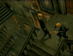 Jumeaux dans les escaliers