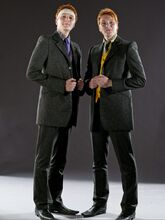 DH1 The Weasley twins in their wedding dress 01
