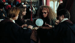 Divination par boule de cristal