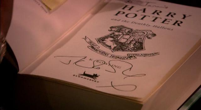 File:Autograph.png