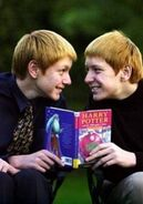 James und Oliver Phelps3