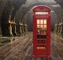 Телефонная будка в Министерстве Магии