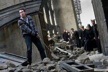 Невилл во время битвы за Хогвартс
