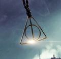 Grindelwald necklace.png