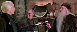 Harry-potter2-fudge in hut