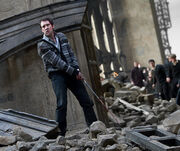 Dh2 neville longbottom using the gryffindor sword in battle