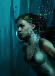 Fleur Delacour Underwater