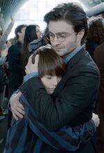 Harry abbraccia Albus