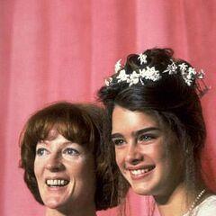 На вручении премии Оскар 1979 года. Мэгги Смит и Брук Шилдс