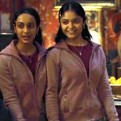 Падма вместе с сестрой Парвати