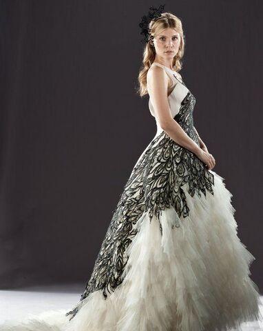 File:Fleur Delacour's wedding dress.jpg