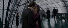 Theseus kiss with Leta
