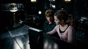 Ron and Hermione Grimmauld Place
