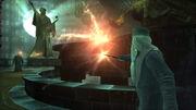 Dumbledore rzuca drętwotę na Voldemorta (gra Harry Potter i Zakon Feniksa)