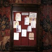 Pokoj wspolny Gryffindoru tablica ogloszen