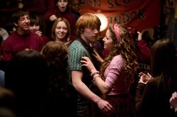 K,NzA4MjkyOTAsNDc3MjcxODY=,f,Lavender Brown and Ron Weasley by Just Jellybean