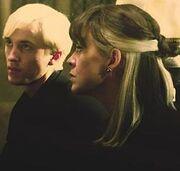 Драко и Нарцисса в 1996 году