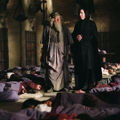 Дамблдор и Снегг разговаривают о Блэке в Большом зале