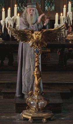 Dumbledore's owl podium