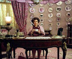 OOTP HQ still Umbridge in her Hogwarts office
