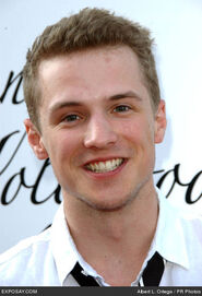 Freddie-stroma-hollywood-lifes-11th-young-NWuDqV